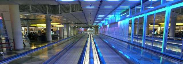 moving-walkway-64359_1920